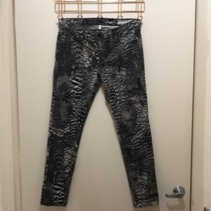 Rag & bone feather printed jeans. Celeb approved